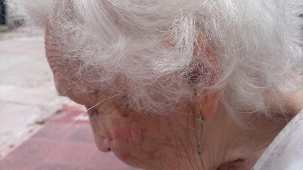 Valeria Cis abuela Cate